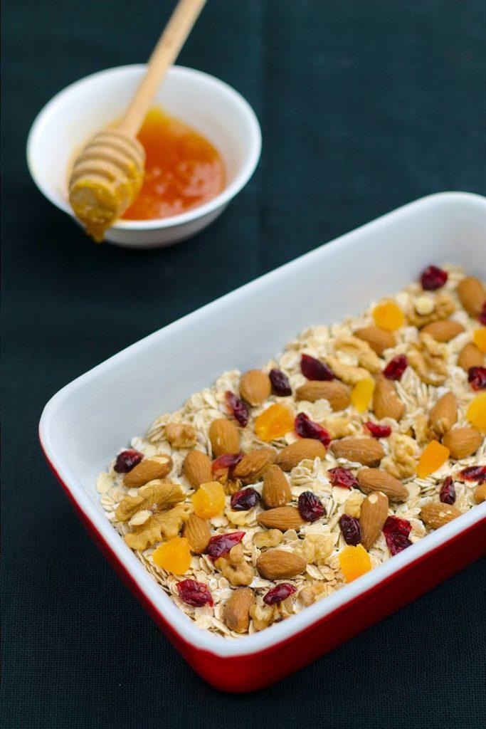 Easy, No-Bake Fruit & Nut Granola Bar