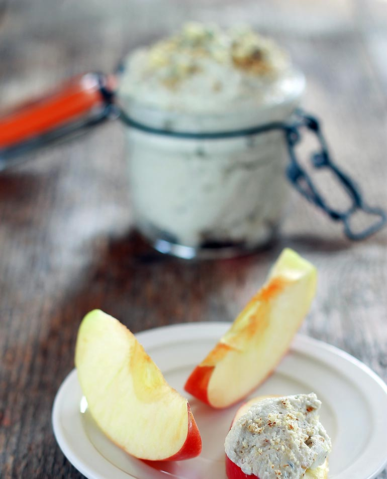 Blue Cheese and Walnut Dip