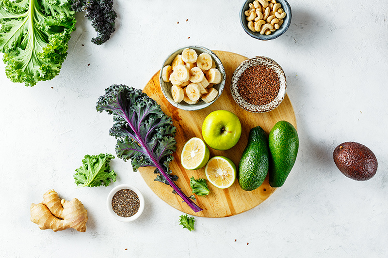 Ingredients to make a smoothie thicker